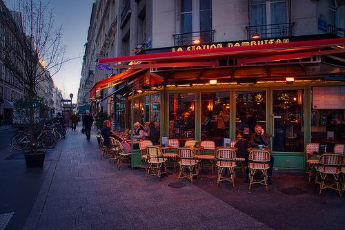 フランスで気持ち良く過ごす小さ...